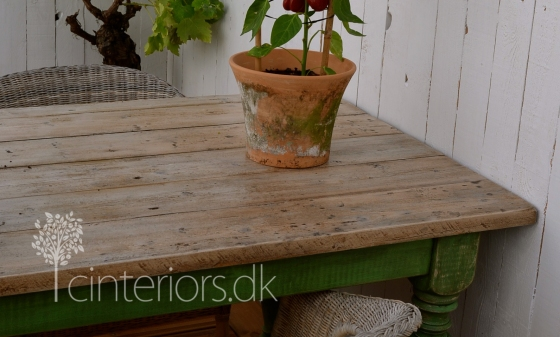 table_chalk_paint_cinteriorsdk8