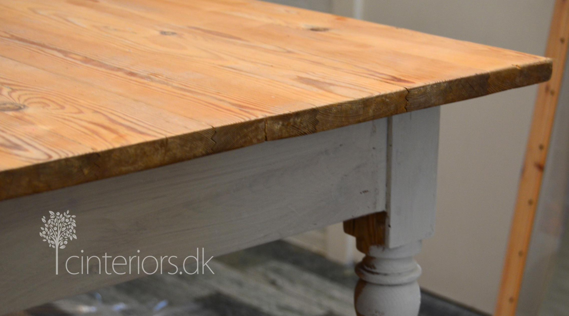before moving into waxing i finished the table top by using the lime