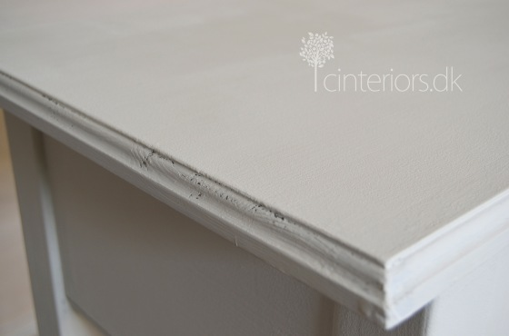 console_oldwhite5_chalkpaint
